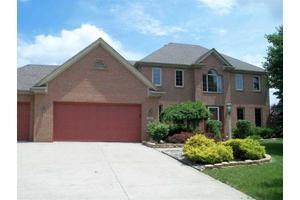827 Red Bluff Dr, Fort Wayne, IN 46814