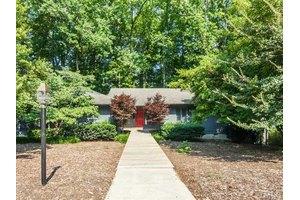 1016 Pinehurst Dr, Chapel Hill, NC 27517