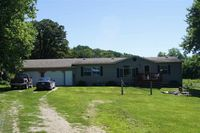 396 Patterson Creek Dr, Waukon, IA 52172