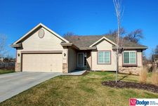 604 Eagle View Dr, Papillion, NE 68133