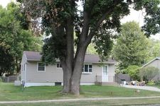 2502 Friendship St, Iowa City, IA 52245