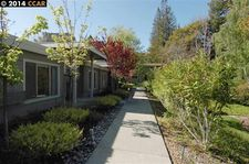 3265 Tice Creek Dr Apt 3, Walnut Creek, CA 94595
