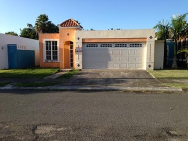 U 14 Urb Los Arboles, Rio Grande, PR 00745