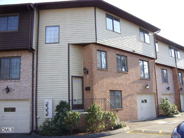 237 Strawberry Hill Ave Apt 11, Stamford, CT 06902