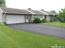 9864 Sessions Rd, New Hartford, NY 13413
