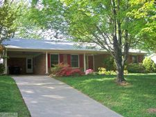 1108 Glynis Ln, Greensboro, NC 27406