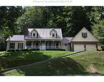 883 Bryce St, Elkview, WV 25071