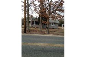 33 Elm St, Berkley, MA 02779