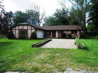 14 Laurel Ln, Grant Park, IL 60940