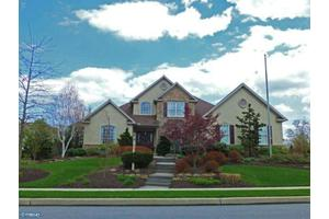 321 Wisteria Ln, Sinking Spring, PA 19608