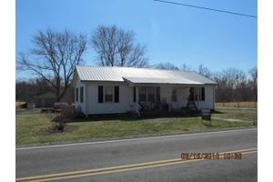 701 Hollow Springs Rd, Woodbury, TN 37190