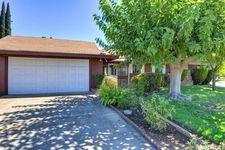 7545 Blackhawk Dr, Sacramento, CA 95828
