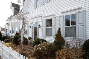 6 Cottage St, Provincetown, MA 02657