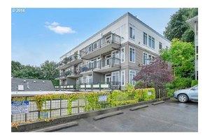 1815 SW 16th Ave Apt 402, Portland, OR 97201