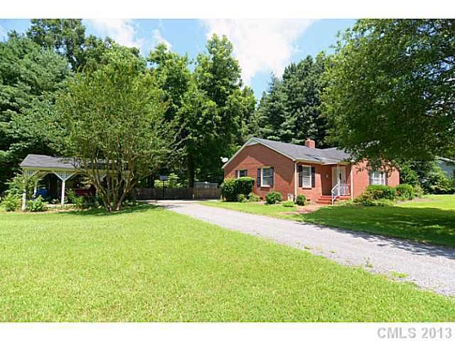 1127 Twin Lakes Rd, Rock Hill, SC