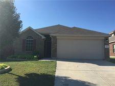 1225 Artesia Dr, Fort Worth, TX 76052