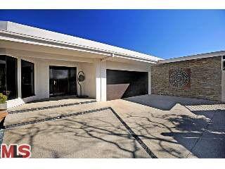 1638 Blue Jay Way, Los Angeles, CA 90069