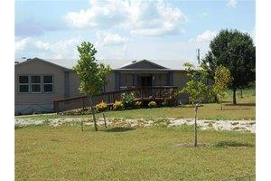 445 Texas Oak Dr, Cedar Creek, TX 78612