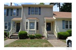 6542 English Oaks Dr, Raleigh, NC 27615
