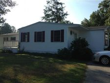 27 Stacey Ave, Seabrook, NH 03874