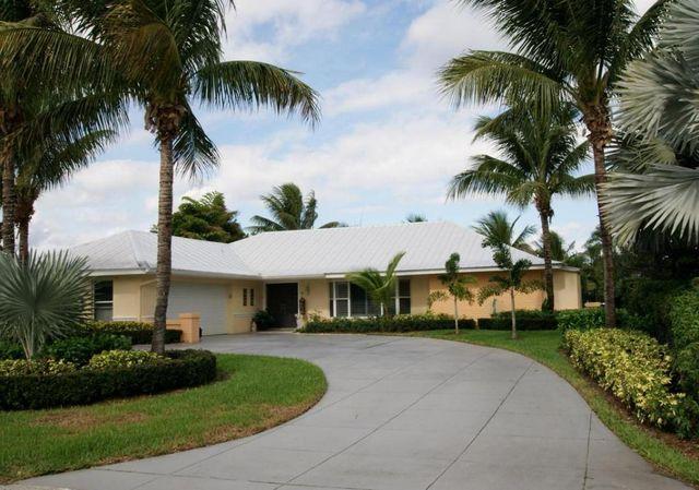 15 Leeward Cir, Tequesta, FL