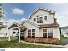 1928 Woodfield Dr, Jamison, PA 18929