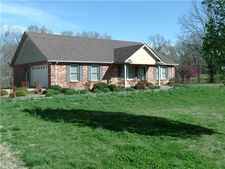 3198 Carolina Ave, Centerville, TN 37033
