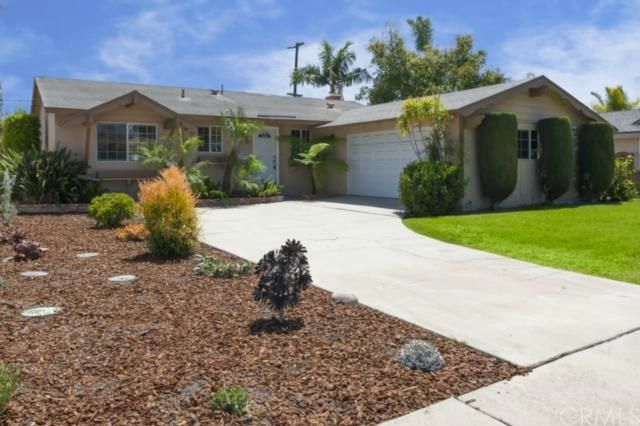 6402 Hughes Dr Huntington Beach, CA 92647