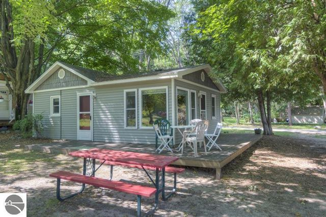 7121 w glenmere rd unit 3 empire mi 49630 home for