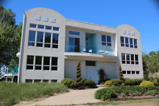 7259 miami st south haven mi 49090 home for sale and for Beach house designs south haven mi