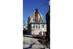 32-31 152nd St, Flushing, NY 11354