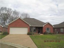 310 Jared Cv, Byram, MS 39272