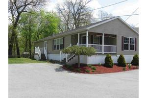 4 Beckwith Ct, Pleasant Valley, NY 12569