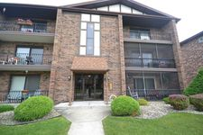 7931 Paxton Ave Apt 2A, Tinley Park, IL 60477