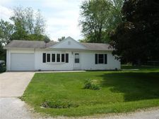 307 W Maple St, Ashmore, IL 61912