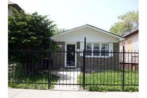 9236 S Drexel Ave, Chicago, IL 60619