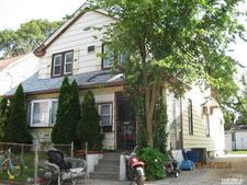 70 Hartwell Pl, Woodmere, NY 11598