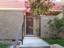 17910 River Cir Apt 2, Canyon Country, CA 91387