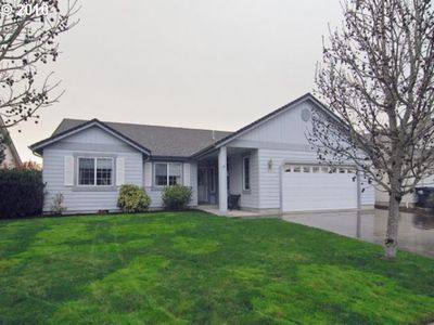 2064 8th St, Springfield, OR