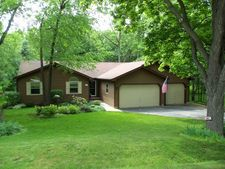 3801 Chemung Dr, Wonder Lake, IL 60097