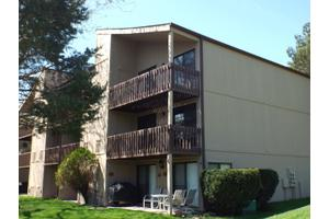 49 Oak Colony Hl Unit 9, Fox Lake, IL 60020