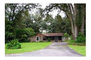 7544 Forbes Rd, Zephyrhills, FL 33540