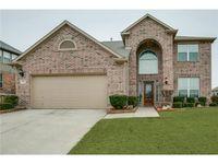 737 Dalrock Rd, Fort Worth, TX 76131