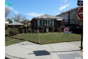 15703 81st St, Howard Beach, NY 11414