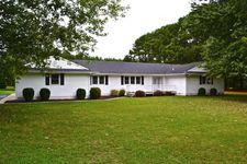 179 Jackson Farm Ln, Deltaville, VA 23043