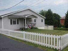 221 S Dartmouth Ln, Altoona, PA 16601