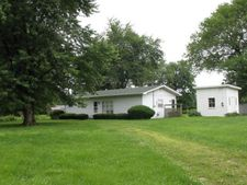 602 W Madison Ave, Farina, IL 62838