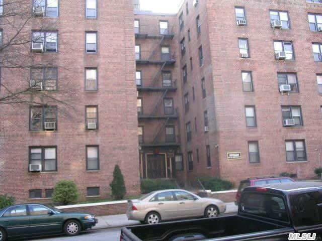 83-30 98 St Unit 4G Woodhaven, NY 11421