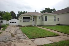 1917 Evelyn St, Perry, IA 50220