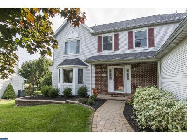 305 dawns edge ln exton pa 19341 home for sale and